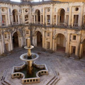 Būtina ne tik apeiti, bet ir užeiti: Tamplierių ordino bastiono, Tomar pilis (XIIa., Portugalija)