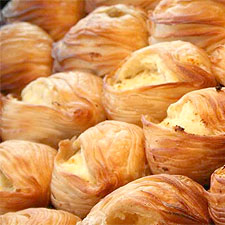 Pastizzi (maltietiški pyragėliai su sūriu): receptas